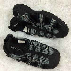 0dc9c8592 Old Navy Boys Sz 10 Water Shoes Black Gray